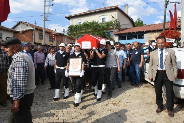 Kaza Şehidi Polis Ramazan Bülbül Kütahya'da Toprağa Verildi