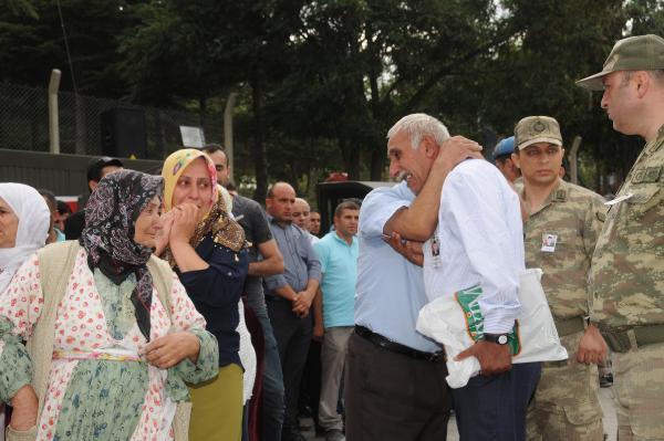 Şehit Korucu Sebahattin Hayva İçin Hakkari'de Tören Düzenlendi