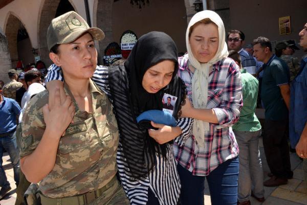 Şehit Uzman Çavuş Gürcan Kepekci'yi 5 Bin Kişi Uğurladı