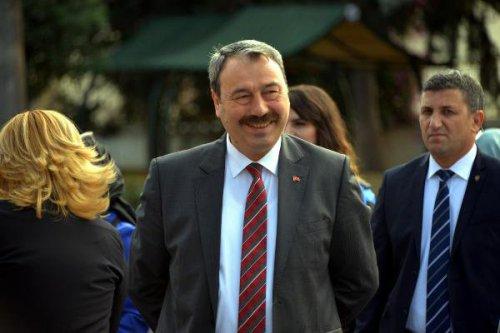 Adana Emniyet Müdürlüğü'nden 'Narko Terörizm' Kitabı