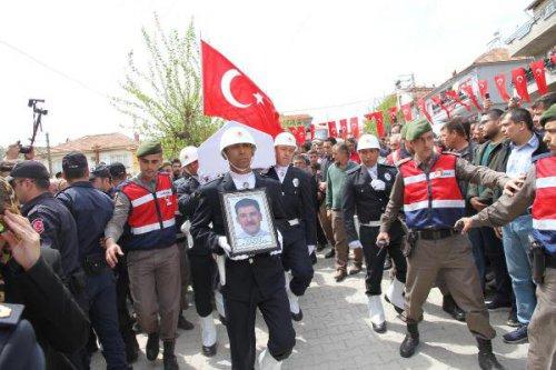 Balıkesirli Şehit Polis Son Yolculuğuna Uğurlandı