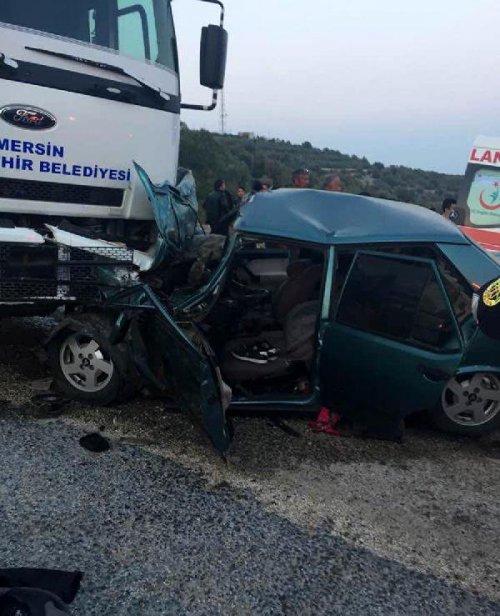 Erdemli'de Kamyon İle Otomobil Çarpıştı: 1 Ölü, 6 Yaralı
