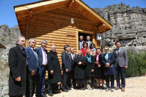 Firigler'in Kaya Evleri Turizme Kazandırılıyor