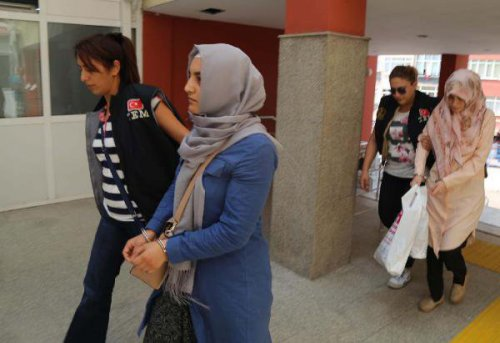 Gülen'in Akrabası Olan 'Abla' Savunma Yapmadı