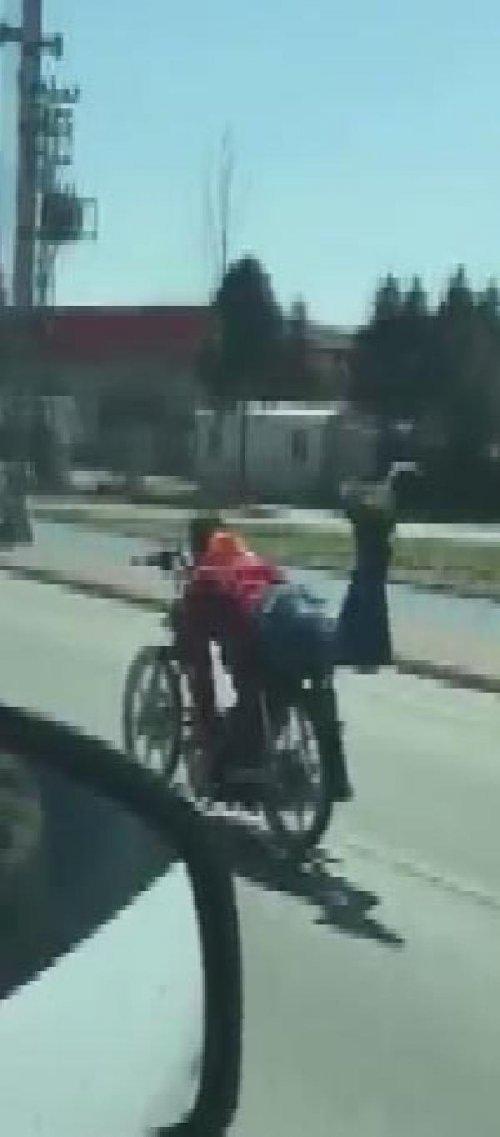 Motosiklet Sürücünün Tehlikeli Yolculuğu