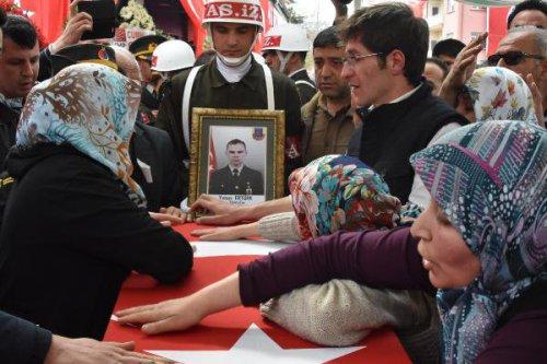 Şehit Uzman Çavuş Yunus Ertürk'ü, Akşehir'de 6 Bin Kişi Uğurladı