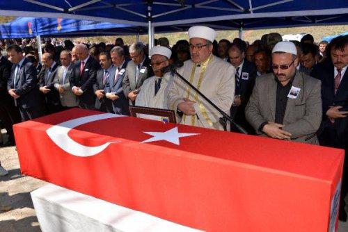 Şehit Uzman Onbaşı Mehmet Yavşan'ın Cenazesi Toprağa Verildi