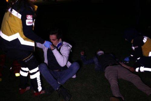 Şerit İhlali Yapan Otomobil Hafif Ticari Kamyonete Çarptı: 5 Yaralı
