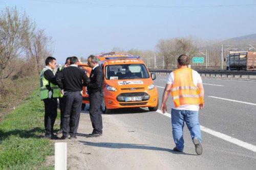 Tem'de Çarpışan İki Otomobil Şarampole Yuvarlandı: 7 Yaralı