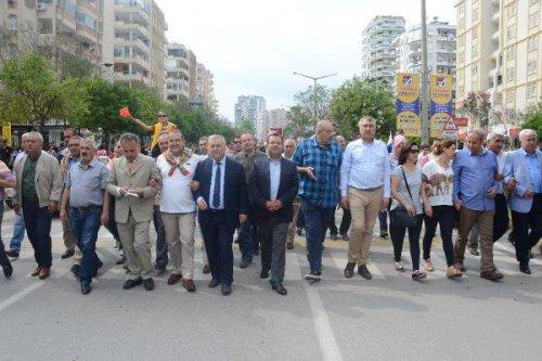 Yörükler Adana'da Develerle Yörük Göçü'nü Canlandırdı